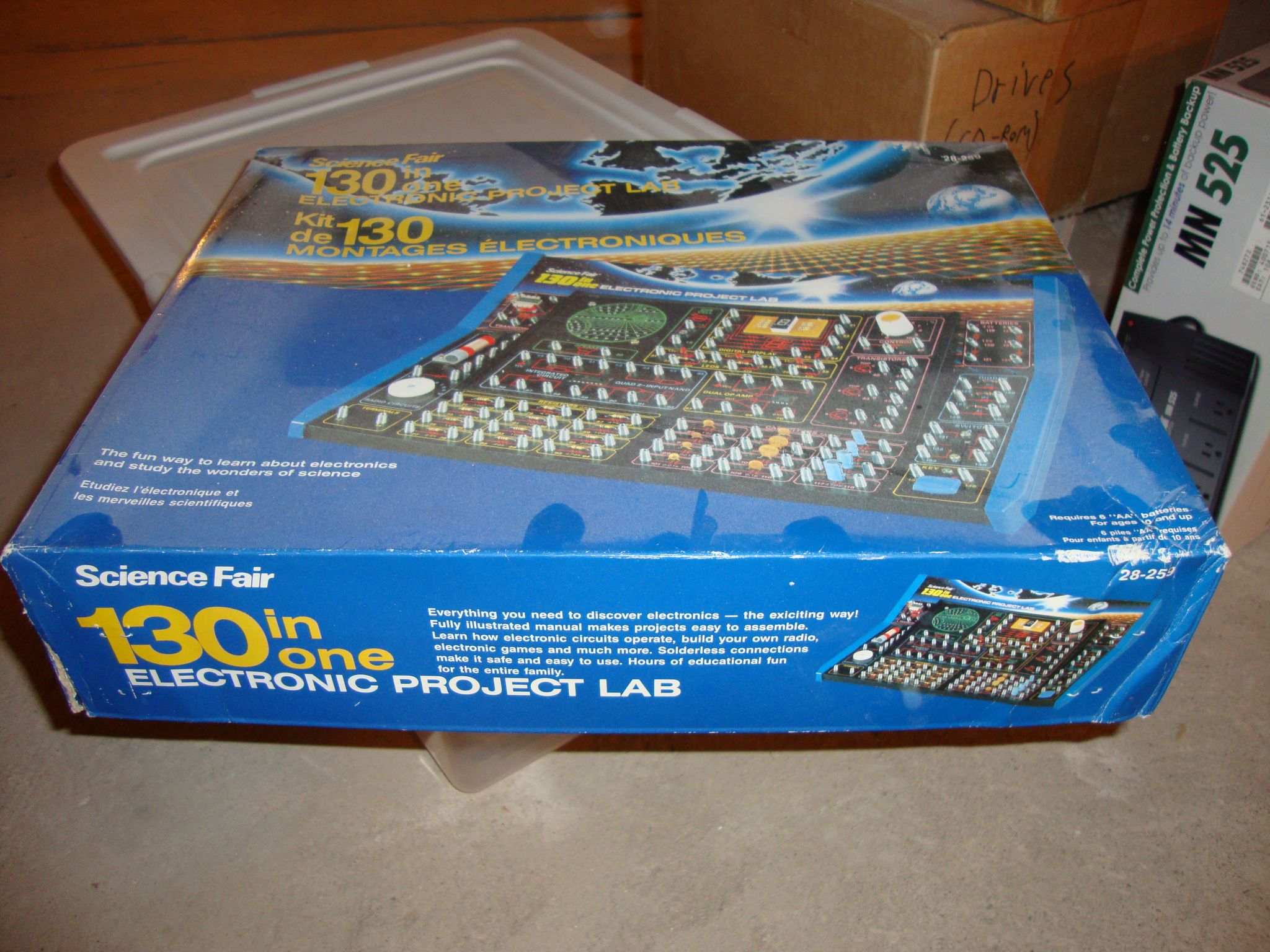 Radio Shack Science Fair 200-in-1 Electronic Project Kit
