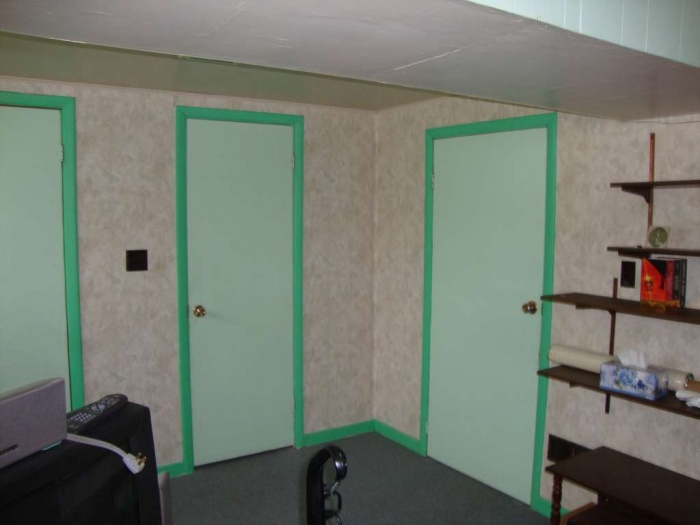 door to basement washroom, and door to laundry room