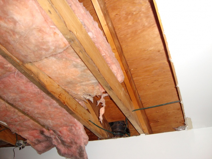 Removing insulation