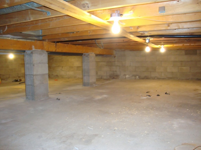 lights in crawlspace
